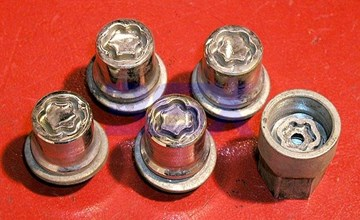 Picture of Wheel Locks and Key SET - OEM NEW - Locking Lugnuts Locking Lug Nuts - 3000GT/Stealth