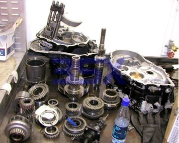 Picture of FWD Transmission Parts - Shift Shaft Seal Boot Bearings L-Lever Bushing